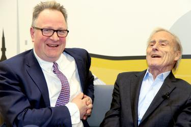 Harry Evans with Tim Dawson at an NUJ event celebrating his life